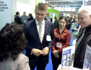 Minister Gunnar Bragi with the staff of G. Ingason Seafood
